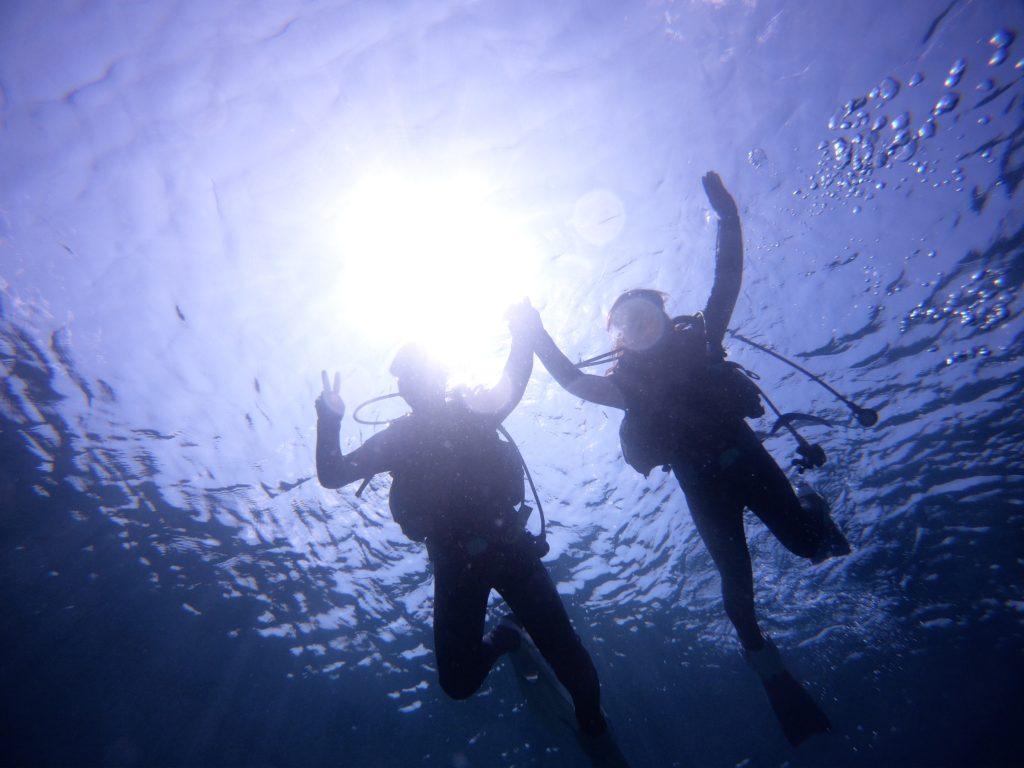 砂辺で体験ダイビング
