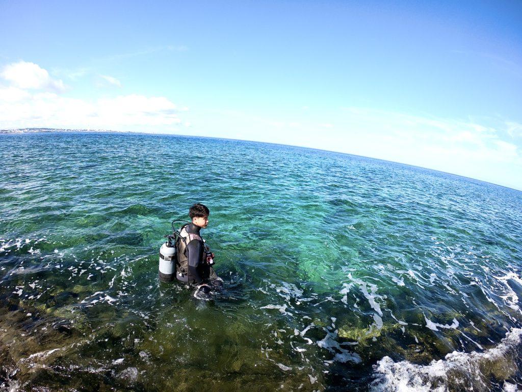 北谷町砂辺でダイビング