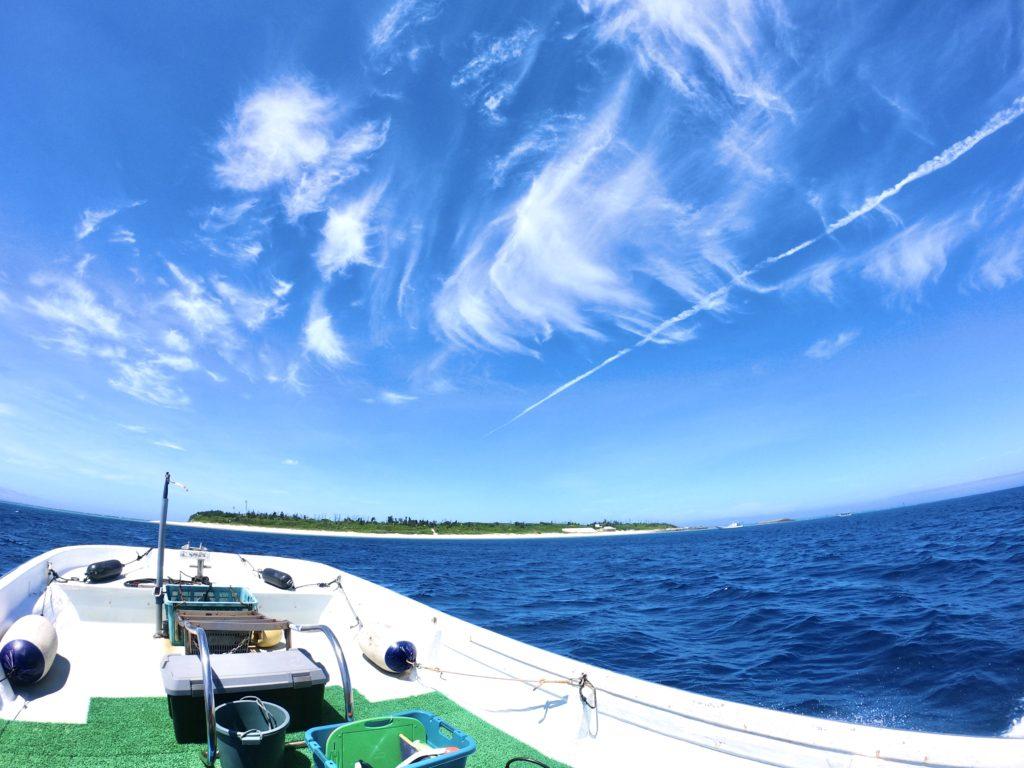 水納島でボートダイビング
