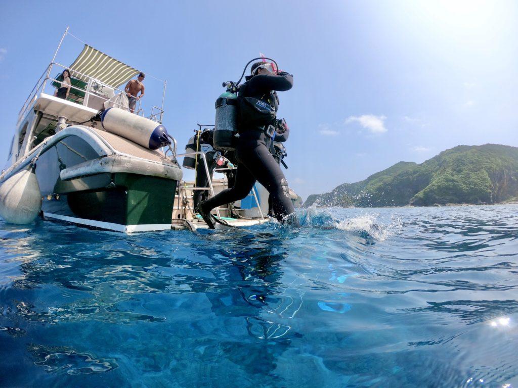 慶良間諸島でPADI講習